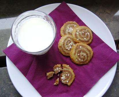 Kanelsnurror med mjölk