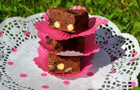Brownies på höjden med björnbär kikärtor Livsaptit