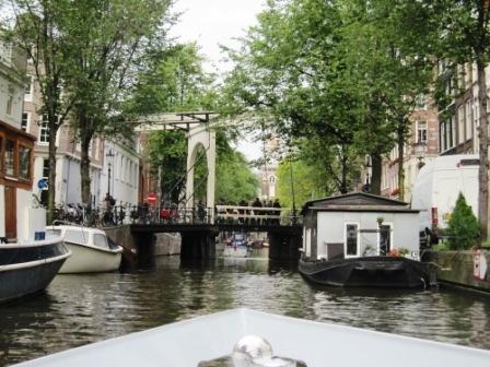 Underliga broar, Amsterdam, Livsaptit