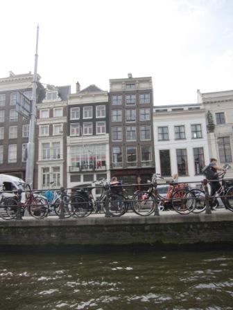 Sneda hus Amsterdam, Livsaptit