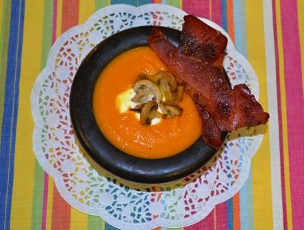 Färgtokig morotssoppa med sting, Livsaptit, Recept