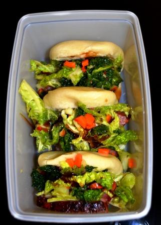 Matlådan Ångade bullar med långbakad grissida och snabbkimchi, Recept, Livsaptit