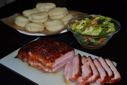 Middag! Ångade buullar med långbakat sidfläsk och snabbsyrad kål, Recept, Livsaptit