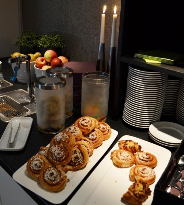 Frukost, Sötsaker, Vann, Besök av Livsaptit