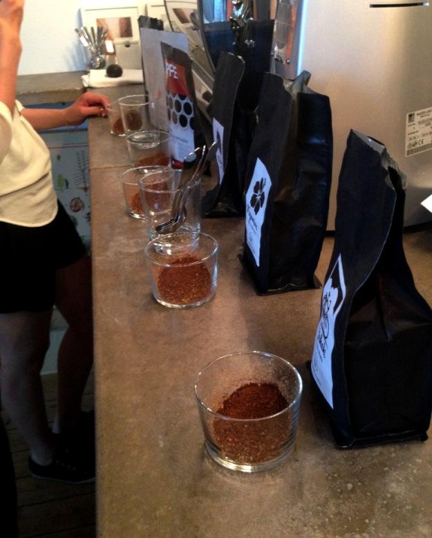 Kvällens kaffesorter för provning, Kaffeprovning, koppning, Kale'i Kaffebar,