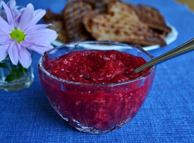 Rabarber- och hallonsylt med chiafrön, honung och vanilj, Recept, Livsaptit