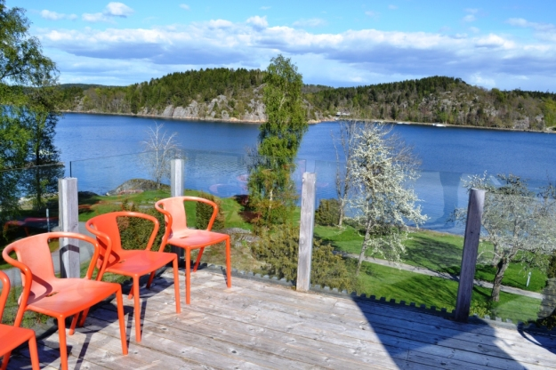 Terrassen, orange stolar, Vann, Besök av Livsaptit