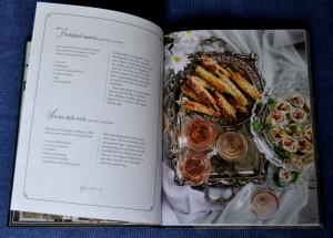 Filobakad sparris och sweet chili-rulle, uppslag ur Mingel och festmat med Denise av Denise Rudberg, recension av Livsaptit