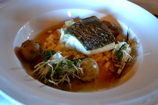 Kokt torskrygg med ägg, färskpotatis, pepparrot och brynt smör, Lunch, Sjömagasinet, Bloggforum2014, Göteborg, Livsaptit