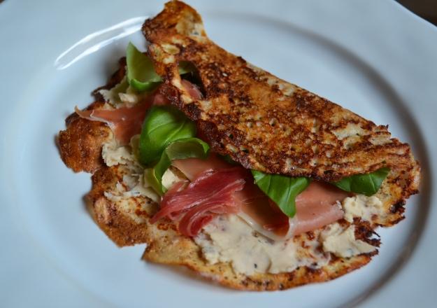 Matiga hasselnötspannkakor med bönröra och lufttorkad skinka, Internationella pannkaksdagen, Recept, Livsaptit