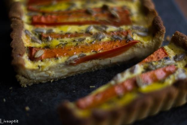 Morotspaj med honungsrostade morötter på quinoapajbotten, närbild, glutenfri, recept, vegetariskt, Livsaptit