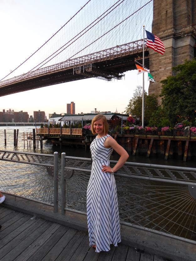 Linda vid Brooklyn Bridge, sommaren 2015