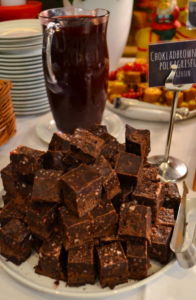 Julbord på The green room, gottebord med chokladbrownie, provsmakning, Jul på Liseberg, Livsaptit